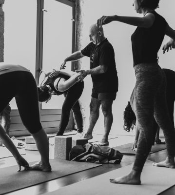 ashtanga yoga  ecole de yoga de mysore